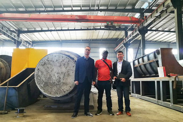 Kenya Customer Came to Beston Plant to See Coconut Shell Charcoal Making Machine